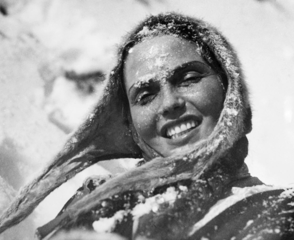 Actress Mirjami Kuosmanen played the witch Pirita in the film The White Reindeer. The colour version of the picture was used as the cover image of Elokuva-Aitta No 5/1951. Photo: Otavamedia / JOKA / ​Finnish Heritage Agency