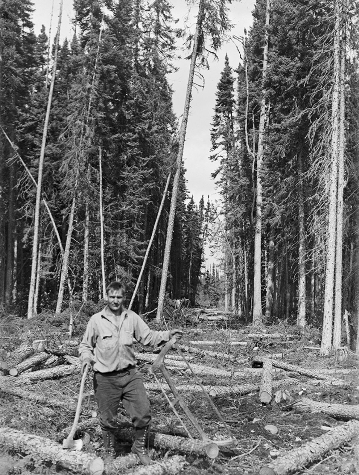 A 'pulpwood worker' near Port Arthur, Ontario, Canada, 1927. Photo: Sakari Pälsi / Picture Collections of the Finnish Heritage Agency