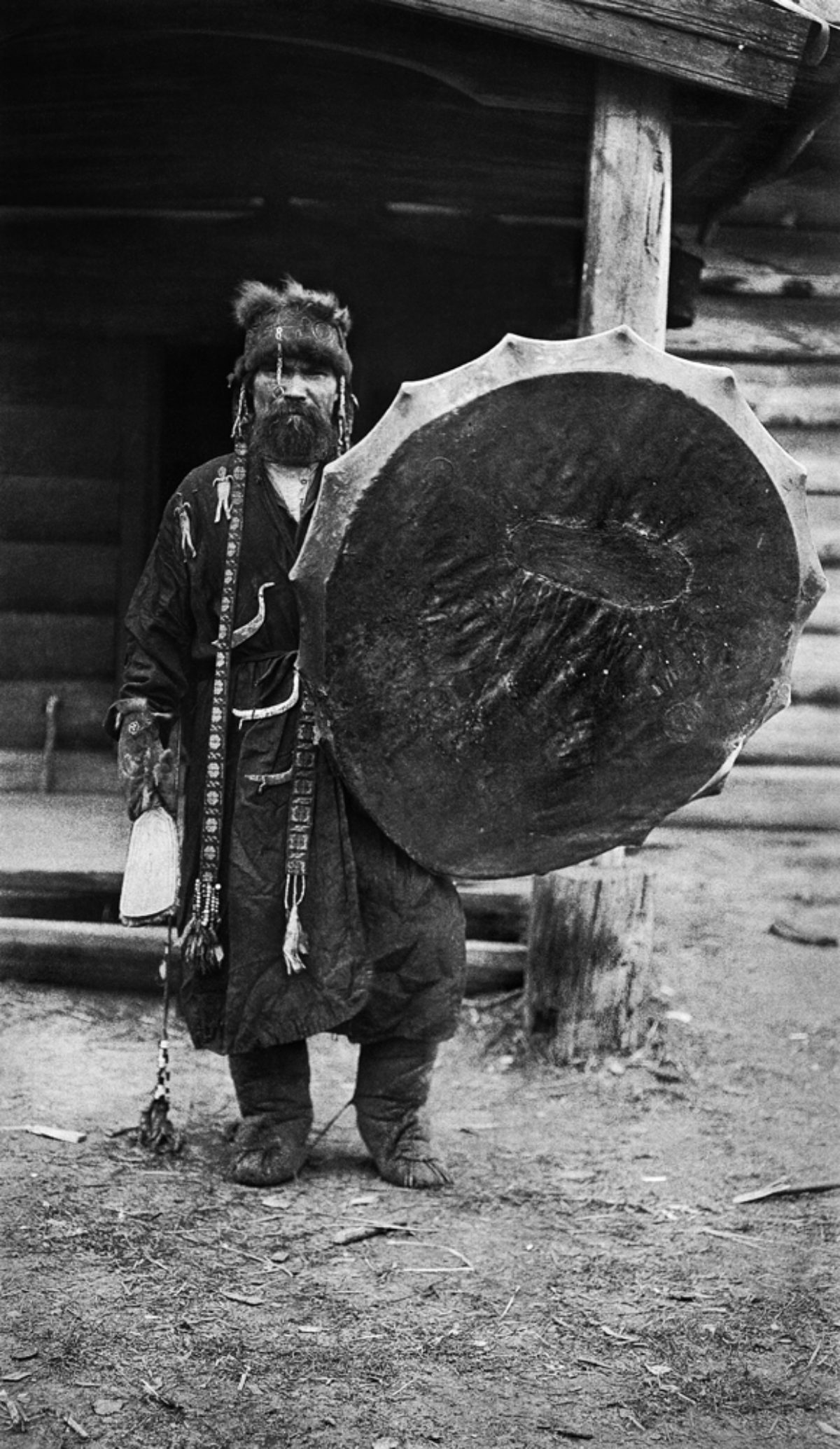 The shaman Kotšijader, Tym River 1912. Photo: Kai Donner / Picture Collections of the Finnish Heritage Agency / editing by Peter Sandberg